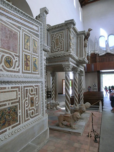 Ravello:  Another view of interior of Duomo with Pulpit of the Gospels