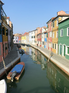Picturesque canals and multicolored residences