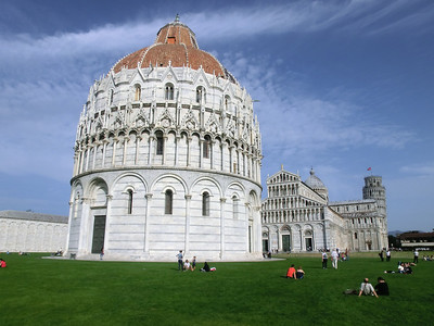 Campo dei Miracoli (Field of Miracles), showing Baptistry, Duomo and Leaning Tower