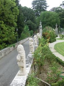 Frozen gnomes (nani) at Via ai Nani