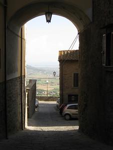 Cortona archway