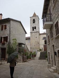 Hamlet above Ascoli