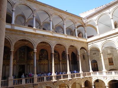 Palazzo dei Normanni -- interior courtyard