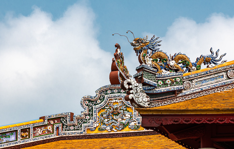 Beautiful Roof Decorations at the Imperial Citadel and Forbidden Purple City
