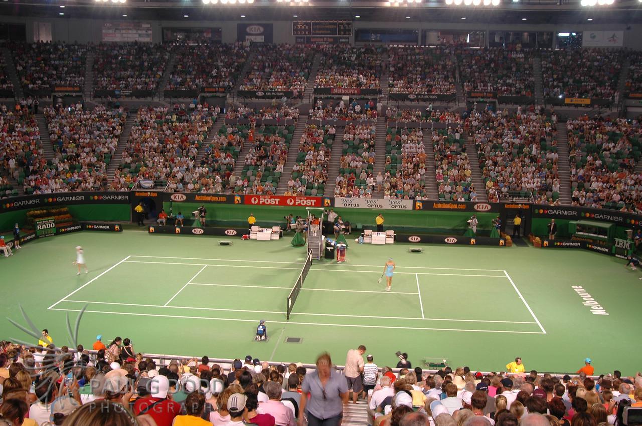 Australian Open 2006, Women's Semi-finals - Justine Henin and Maria Sharapova