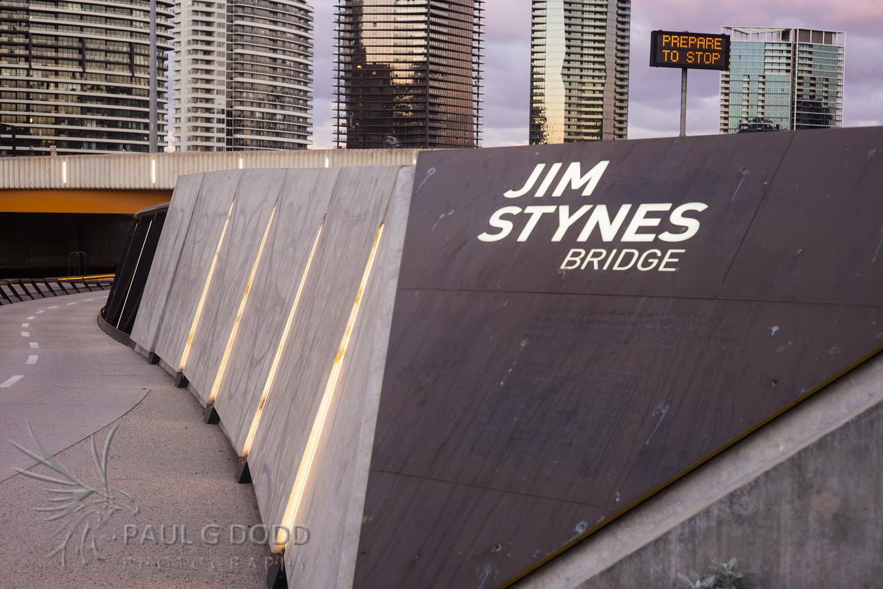 Jim Stynes Bridge, Sir Charles Grimes Bridge