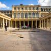 Galerie d'Orléans et Fontaines de Pol Bury, Palais-Royal, Paris