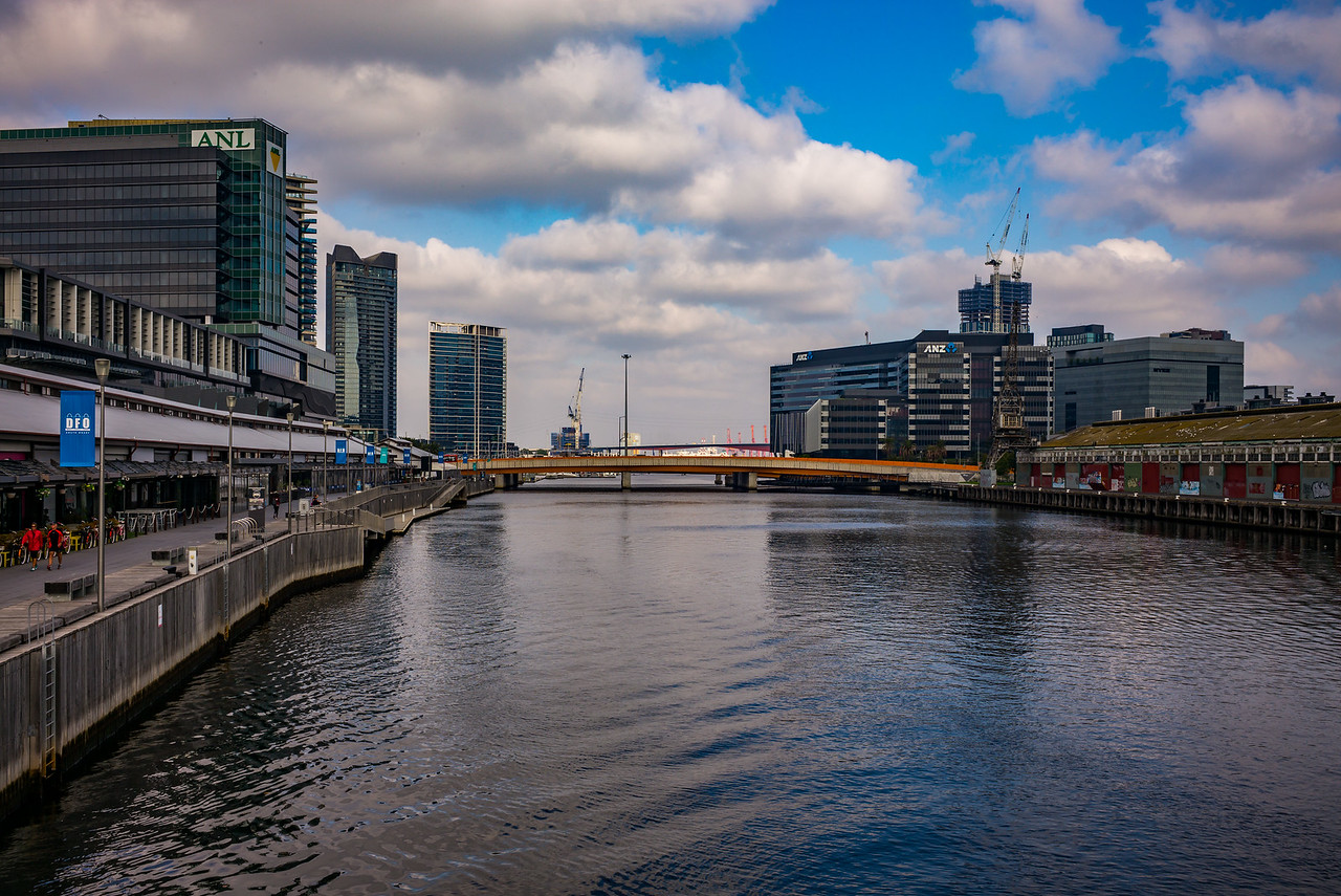 Sir Charles Grimes Bridge, Docklands