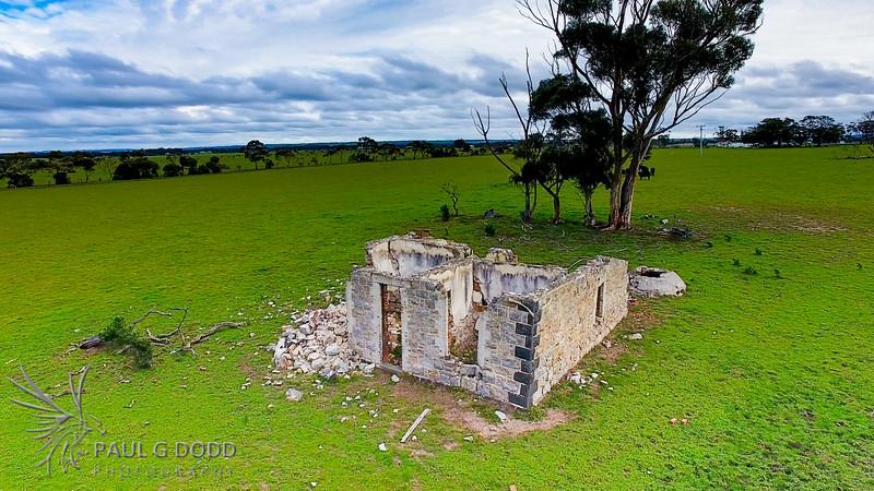 Ruins at 575 Flinders Avenue, Lara