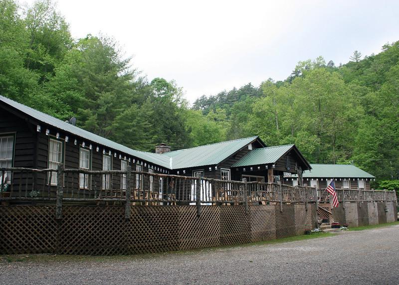 Enota Lodge