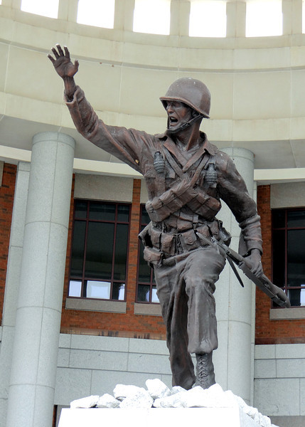Statue in front of the Infantry Museum