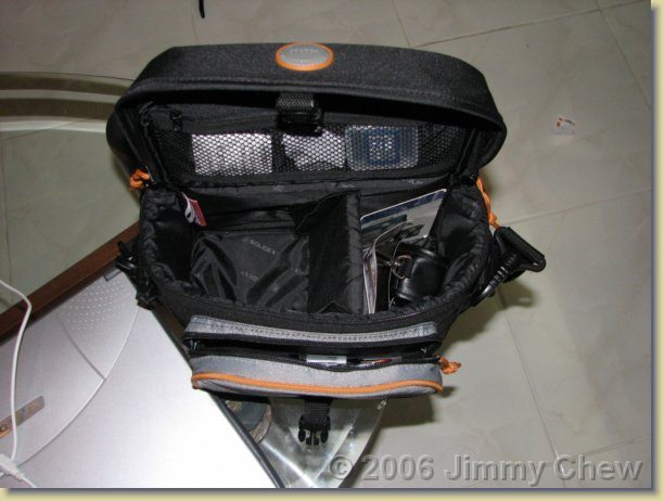 This camera bag costs ~ RM50.
