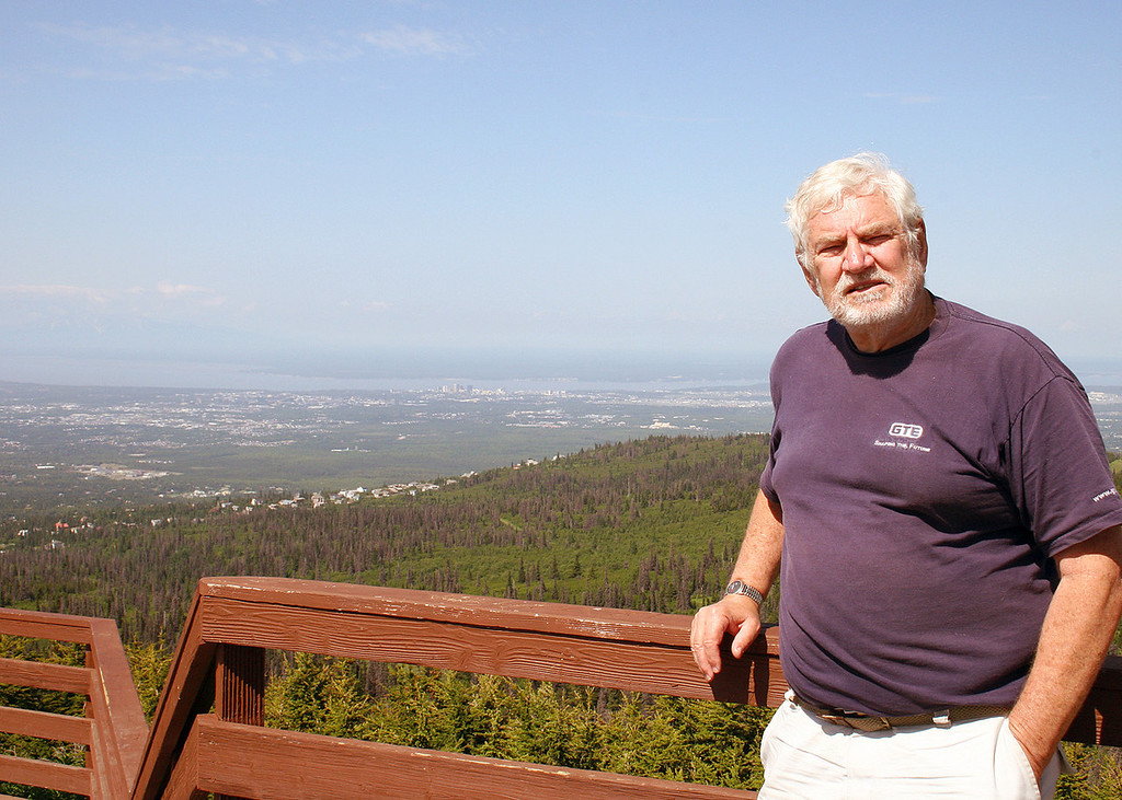 Mike at the Flattop Mountain trailhead overlook of Anchorage