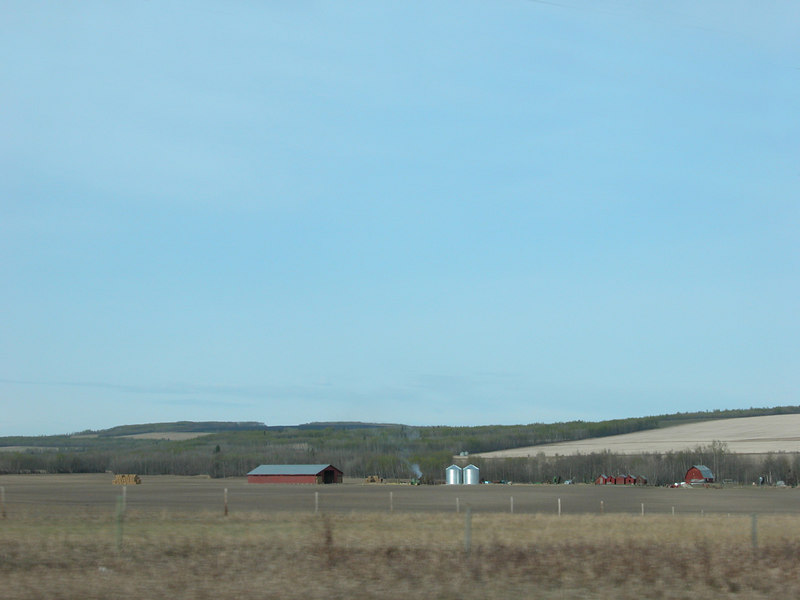 5/11/06 - We exited the side trip just north of Dawson Creek.  This is the countryside north of town.