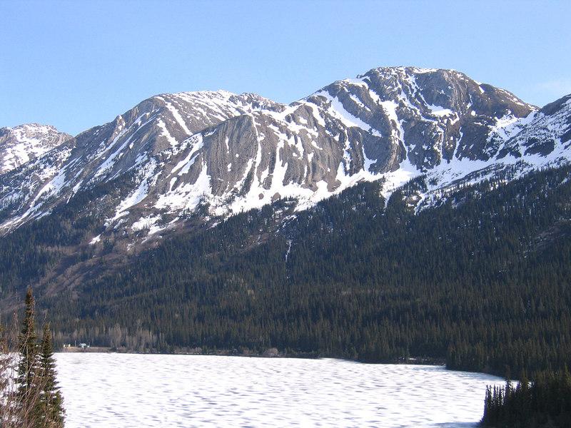 Azouzetta Lake at Pine Summit Pass
