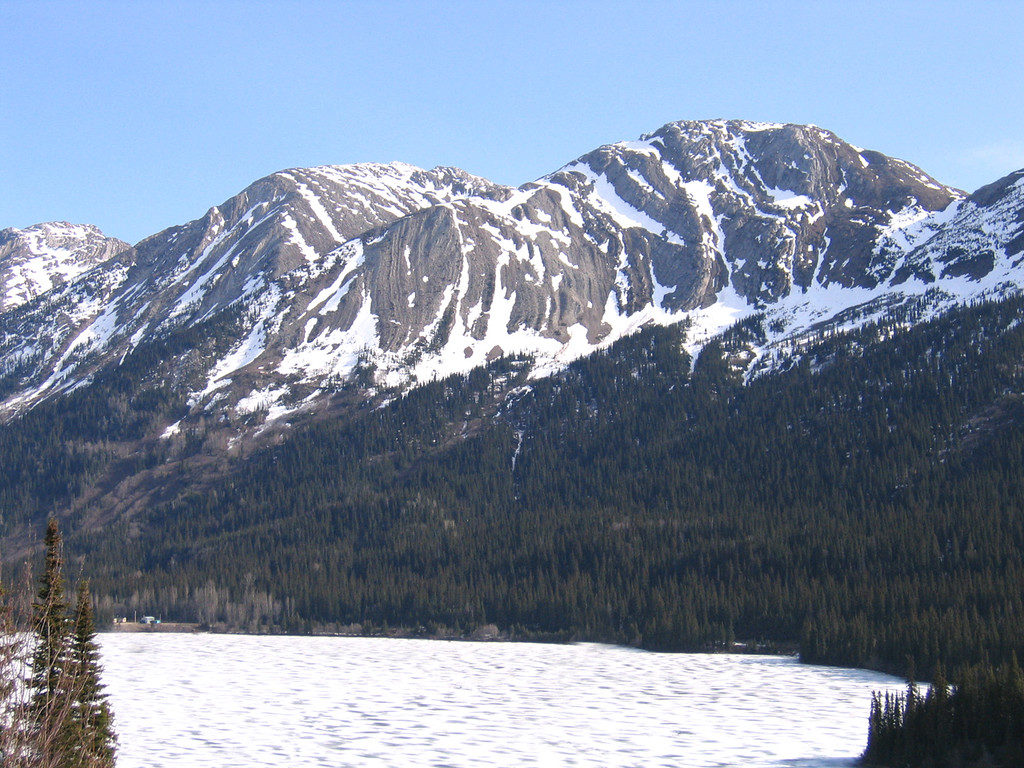 Azouzetta Lake at Pine Summit Pass