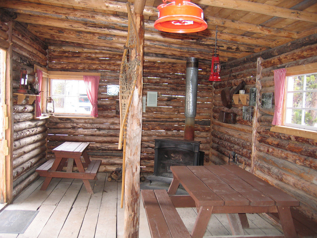 5/16/06 - Inside the recreation cabin at Caribou RV Park