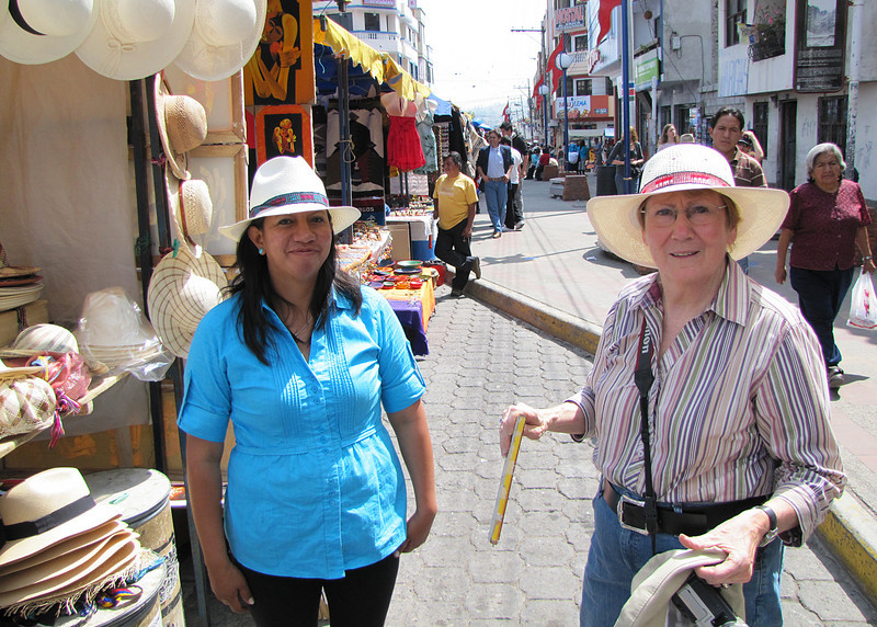 Susan buying her Panama hat.  Did you know that Panama hats are made in Ecuador.  They got their name because they were sold to the workers on the Panama Canal.  Ecuador should have had better marketing!!