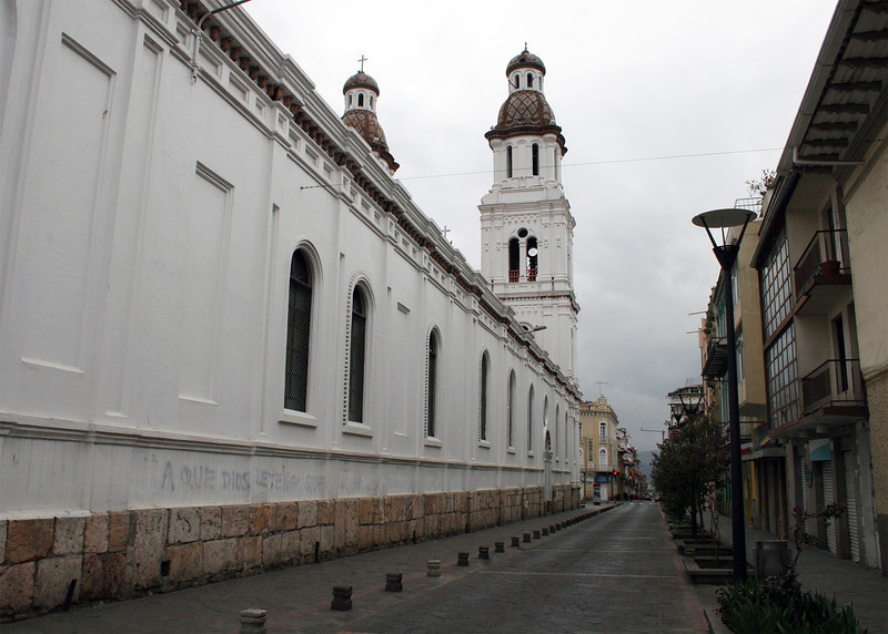 The side street along Iglesia de Santo Domingo