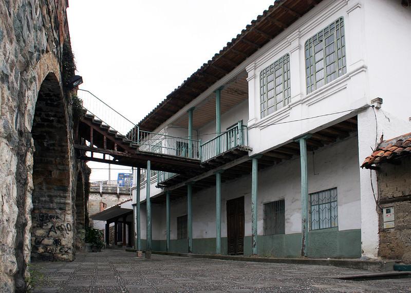The house as seen below El Puento Roto