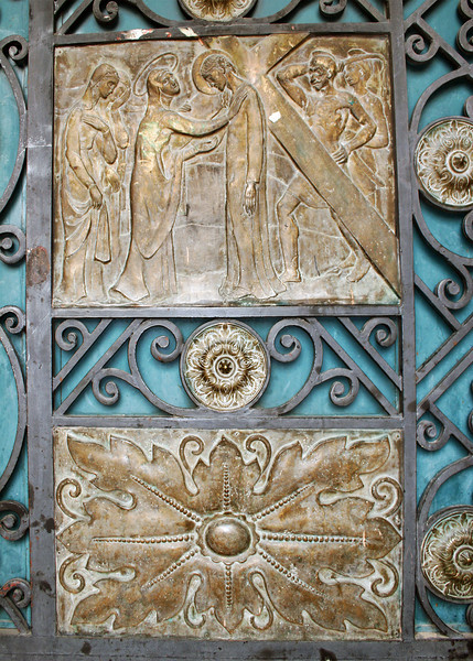 A closeup of the doors of the New Catedral or Catedral of Immaculate Conception