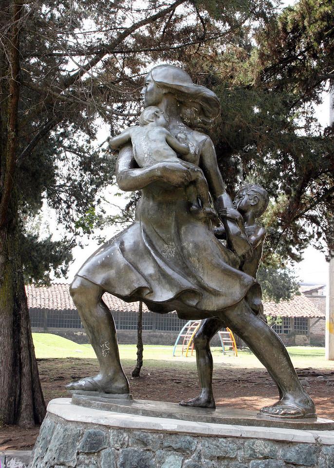 Statue  in Parque De La Madre (Park of the Mother)