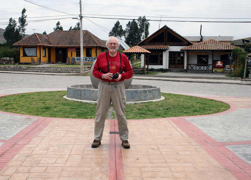 Mike straddling the equator in Cayambe.