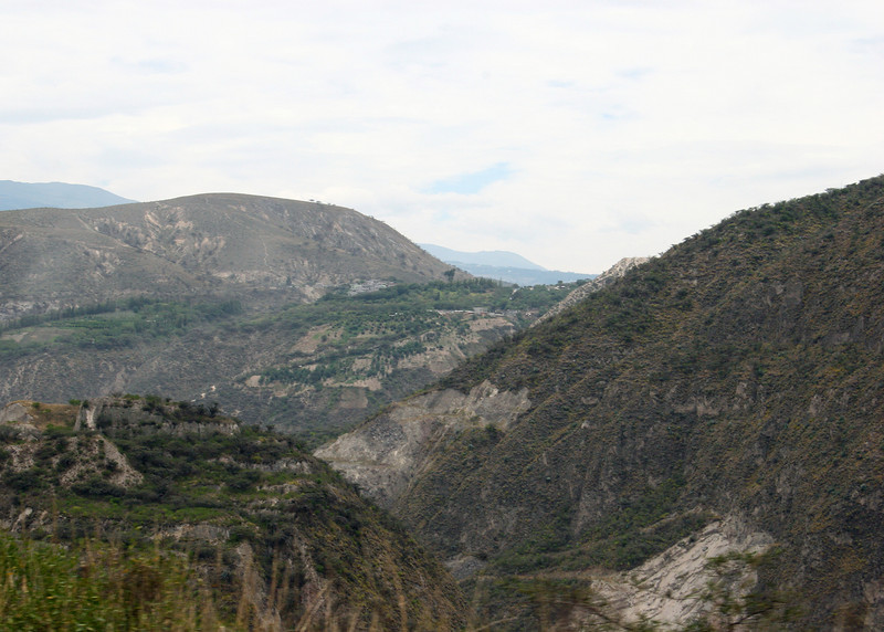 Between Quito and Guayllabamba.  The area is quit arid.