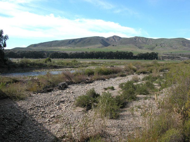 e Ventura River looking towards the mountains