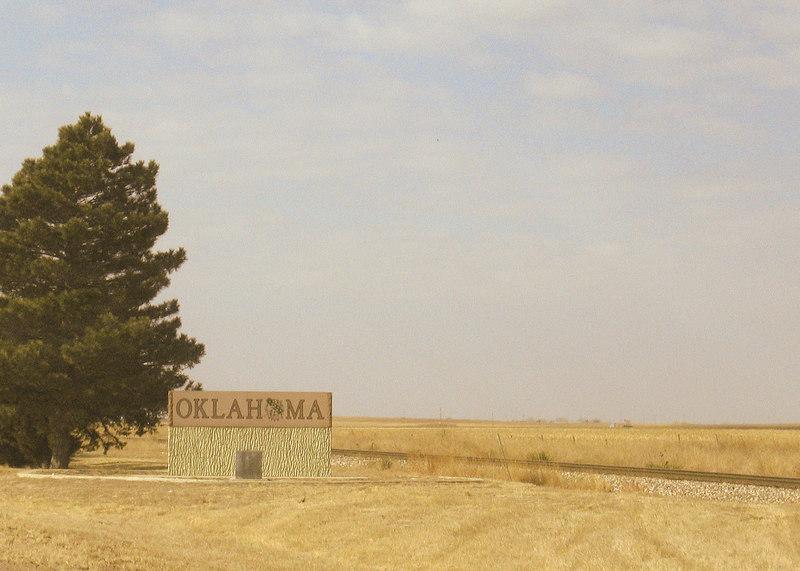 Entering Oklahoma along route 283
