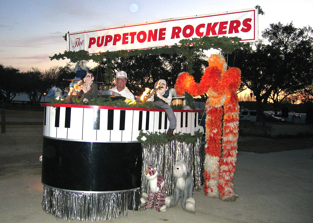 Tampa, Florida RV Show - This is The Puppetone Rockers.  It is a motorized stage and has all these puppets who sing, dance and play various instruments.