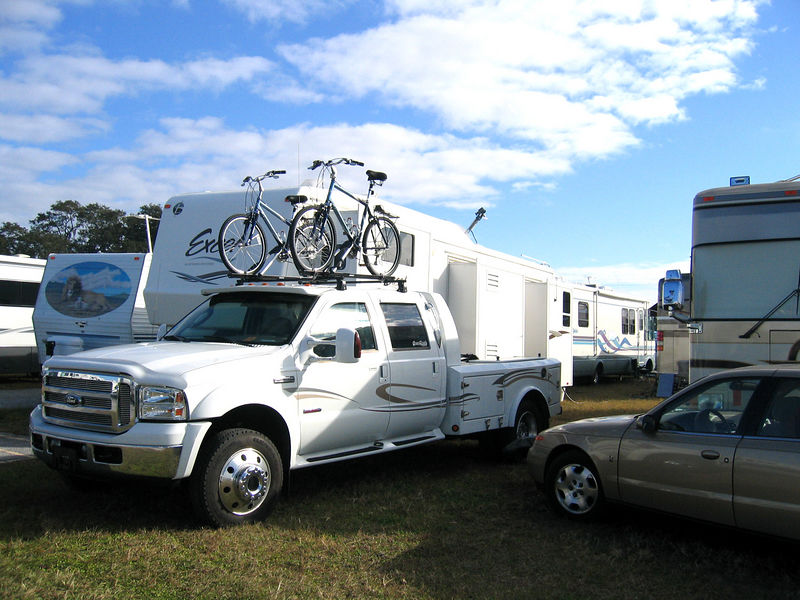 Tampa, Florida RV Show - We were in close quarters!