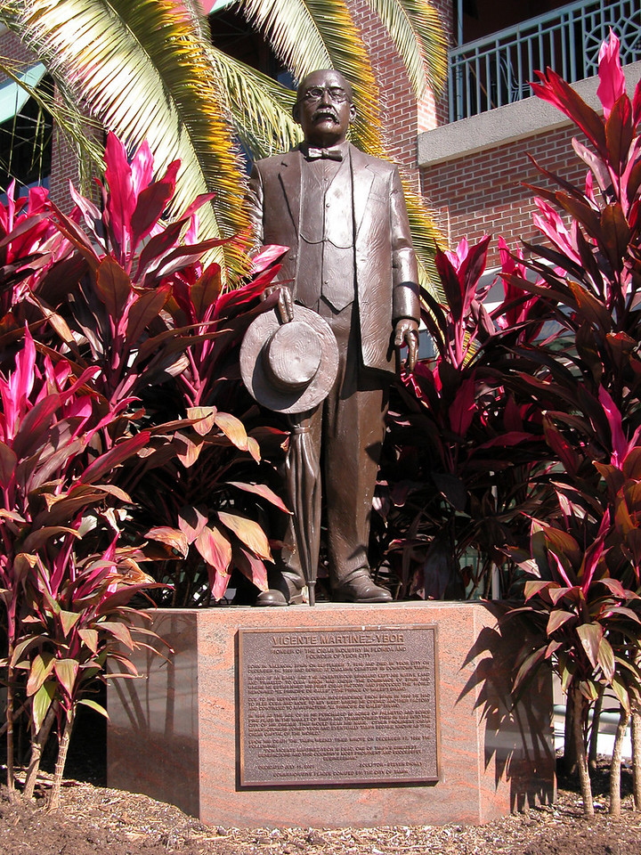 Statue of Vincente Martinez-Ybor.
