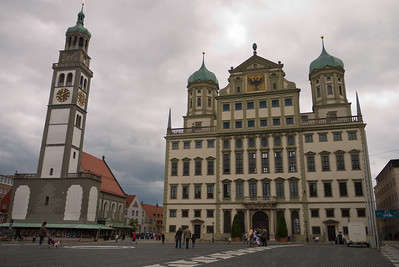 That's the Rathaus (city hall) on the right.  The upcoming pictures looking down are from the tower on the left.