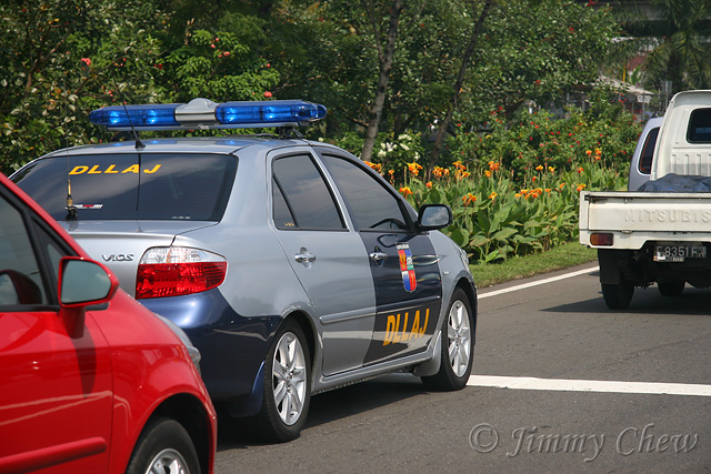 """<font color=""""yellow"""">Vios is used as the patrol car for the highway.</font><br>"""