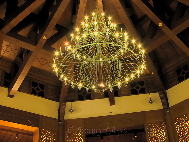 Chandelier at lobby.
