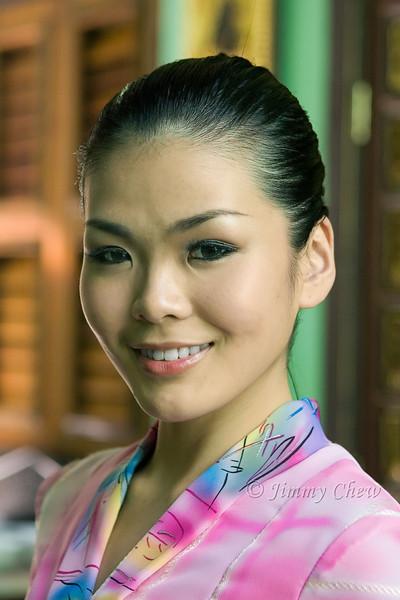 Model at Pinang Peranakan Mansion.