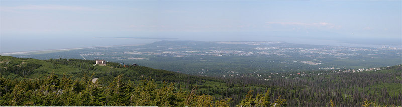 Panoramic view of Anchorage from the Flattop Mountain trailhead overlook