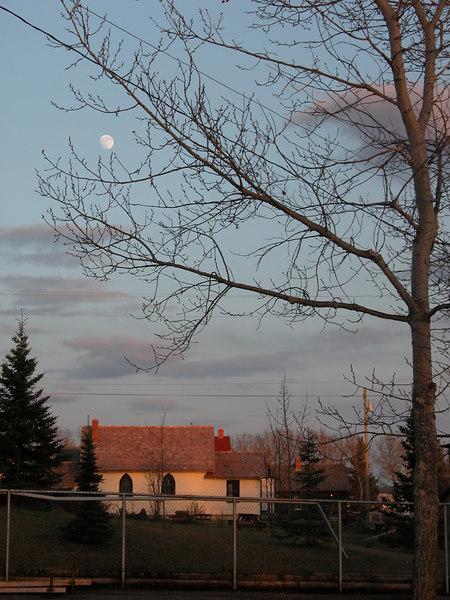 5/10/06 - Full moon over Dawson Creek