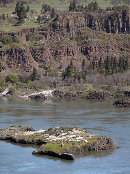 Monument on island as seen from Memaloose Overlook
