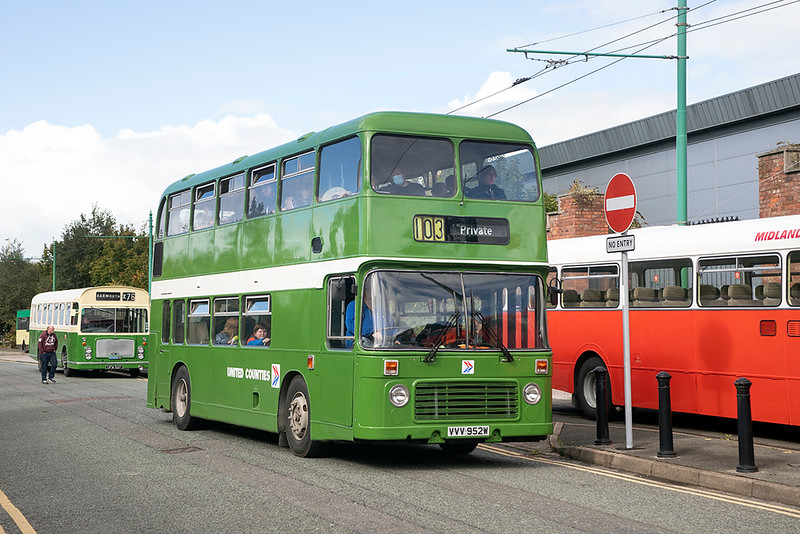 952 VVV952W, Birkenhead 3/10/2021