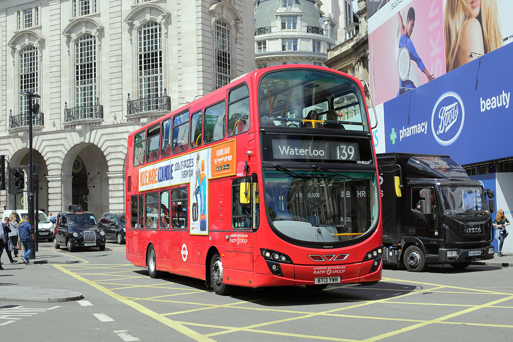 VH45119 BT13YWR, Piccadilly Circus 7/6/2017