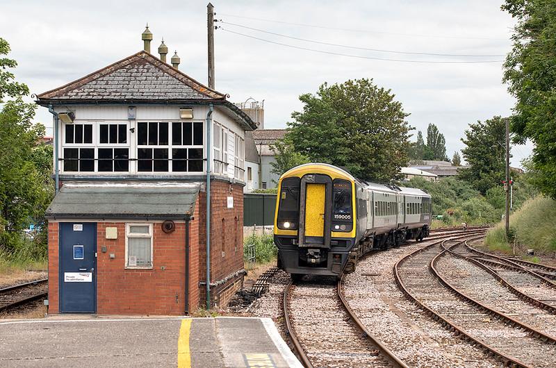 159005 Yeovil Pen Mill 16/6/2021<br /> 1V23 1137 Basingstoke-Yeovil Junction