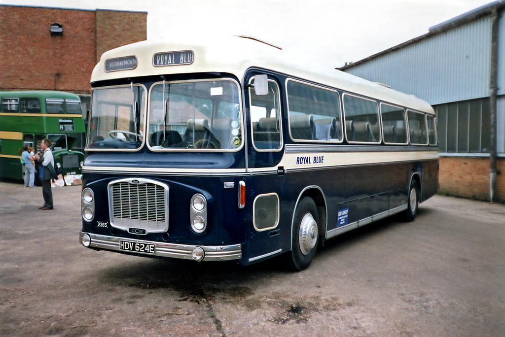 2365 HDV624E, Bournemouth 7/7/1991