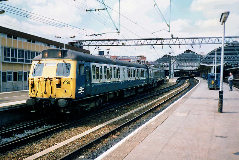 304009 Manchester Piccadilly 8/5/1991