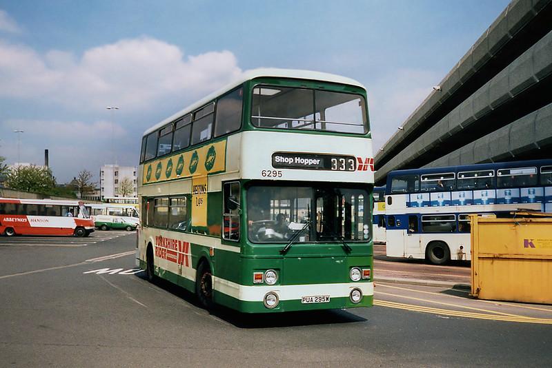 6295 PUA295W, Huddersfield 9/5/1991