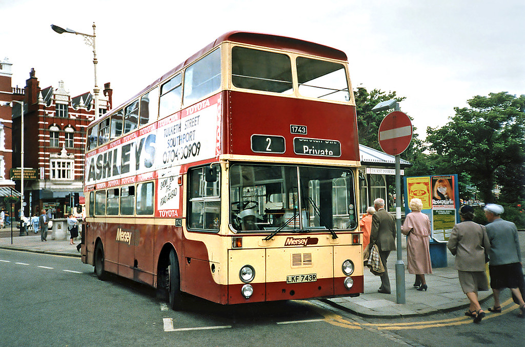 1743 LKF743R, Southport 12/7/1991