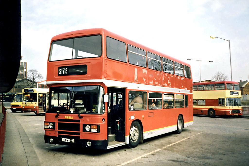 2114 OFV14X, Burnley 13/3/1991
