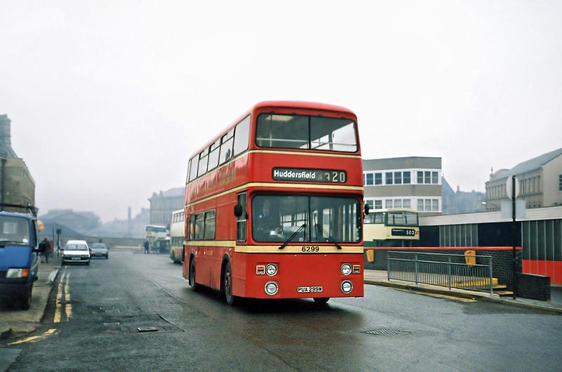 6299 PUA299W, Huddersfield 15/1/1991