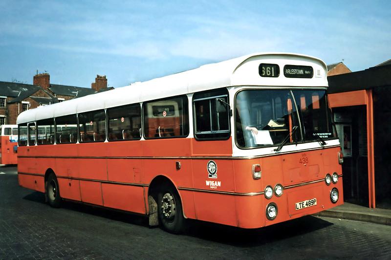 438 LTE489P, Wigan 15/4/1991
